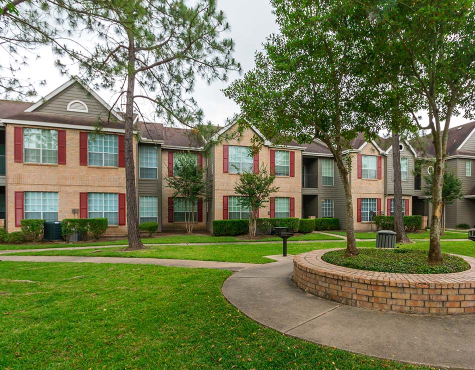 Chartwell Court Apartments, a North Houston multifamily property