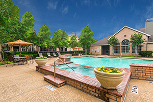 North Houston Multifamily - Chartwell Court Apartments